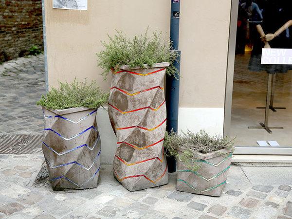 Pflanzenkübel Beton - hohe Pflanzer Ideen