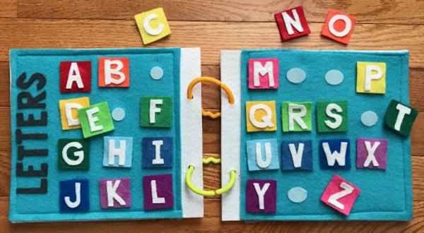 Quiet Book Aktivitätsbuch Buchstaben Alphabet stilles Buch selber machen Ideen