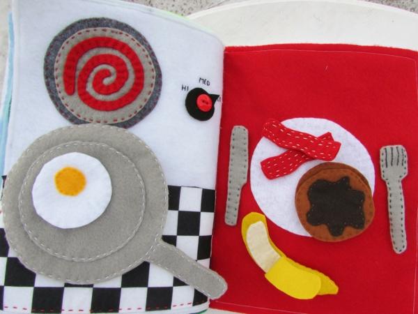 Quiet Book nähen Spielbuch stilles Buch kochen essen