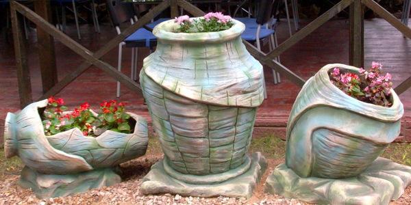 Schöne große Vasen - Pflanzenkübel Beton