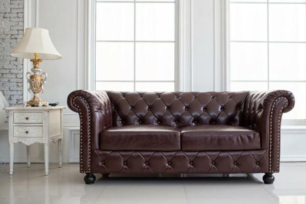 Sofa neu beziehen lassen Tipps Ledersofa