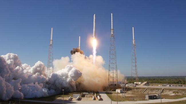 SpaceX Elon Musk Falcon-9-Rakete erster bemannter Flug zur ISS historische Mission