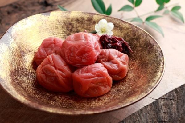 alkalische lebensmittel umeboshi körper entgiften