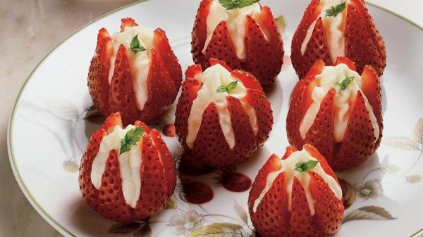gefüllte erdbeeren erdbeersaison