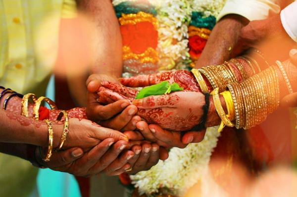 indische Hochzeit Hochzeitszeremonie Hände