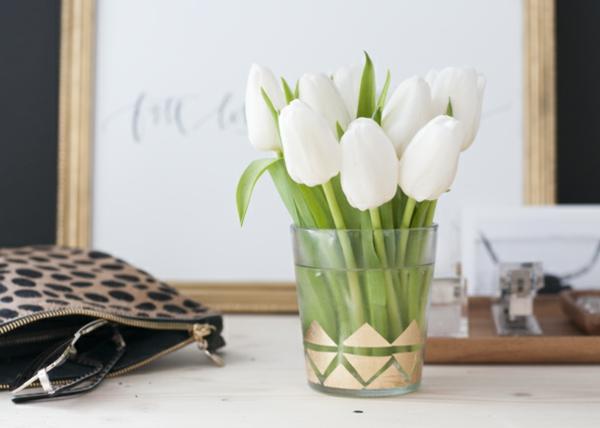 kleine vase dekorieren goldfolie blattgold