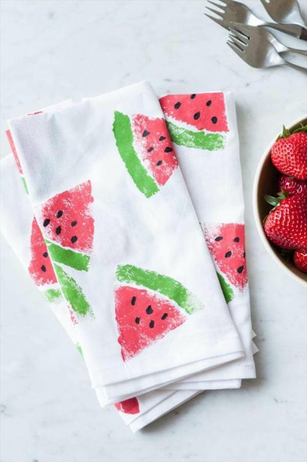 schnelle muttertagsgeschenke basteln wasssermelone stempel tuch