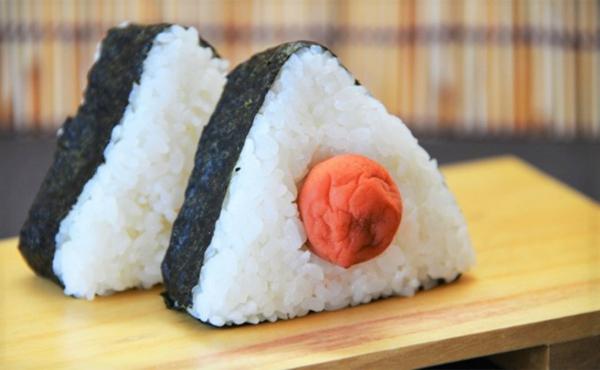 sushi umeboshi gesundes essen körper entgiften