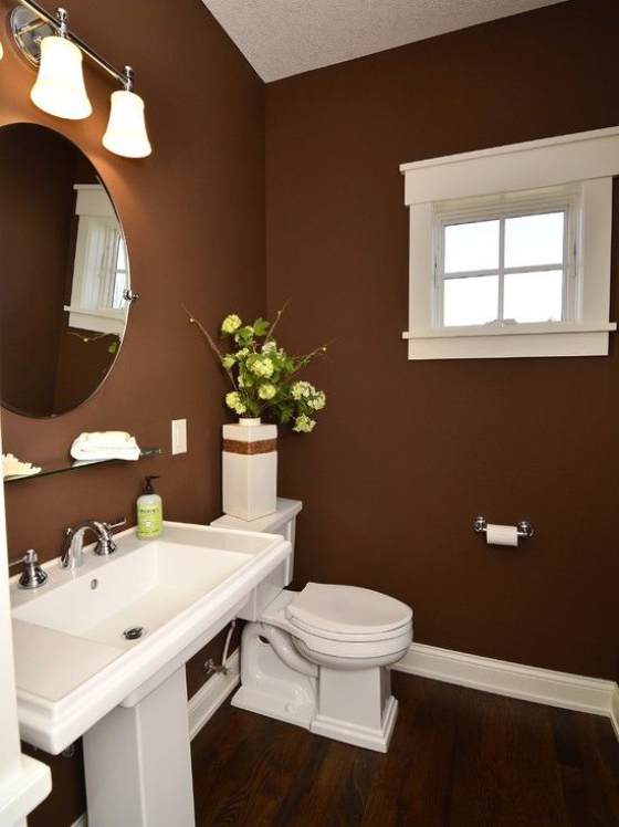 Braun Badezimmer Kontrast zwischen warmem Braun und Weiß Vintage Style