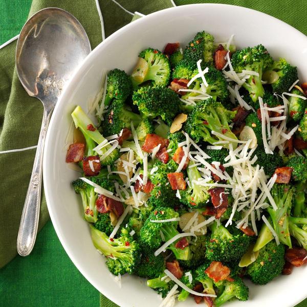 Brokkoli kochen - warme Salatideen
