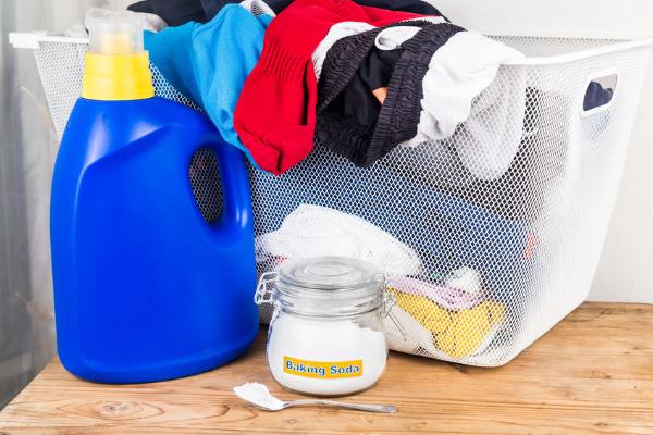 Kleider zum Waschen Rost entfernen
