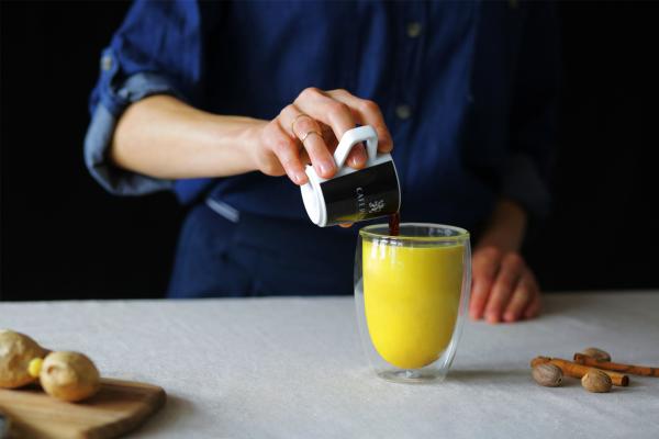 Kurkuma Kaffee einfache Zubereitung erstklassiger Geschmack gibt Energie macht wach und munter