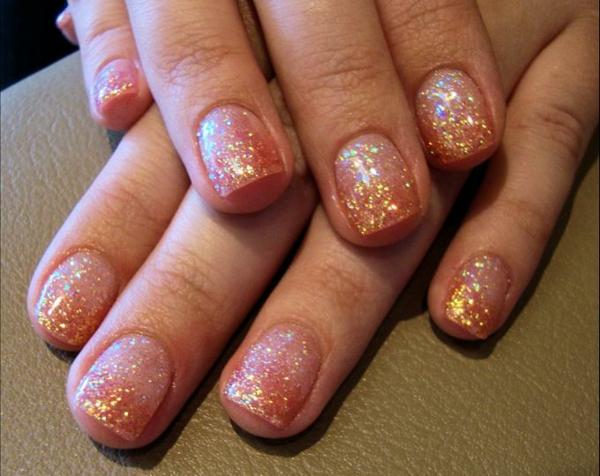 Kurze Gelnägel Vorteile Nageldesign Ideen Gold Glitter