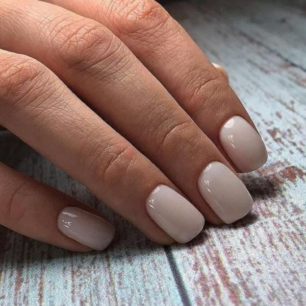 Kurze Gelnägel Vorteile Nageldesign Ideen weiße Nagelfarbe