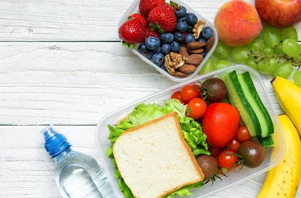 Kurztrip mit Kind Tipps Autoreisen mit Kindern gesunde Snacks
