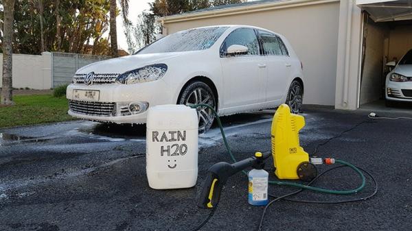 Regenwasser nutzen Auto waschen mit Regenwasser