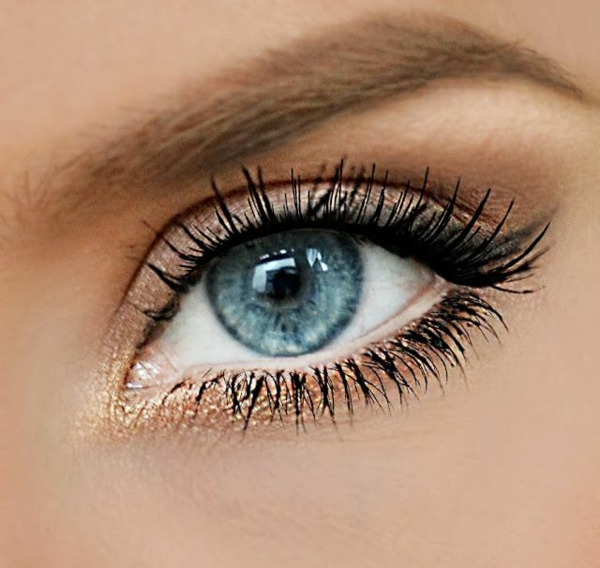 bronze glitzer make up blaue augen schminken
