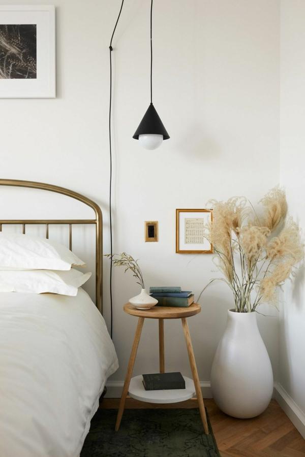 elegante schlafzimmereinrichtung dekorartion pampasgras