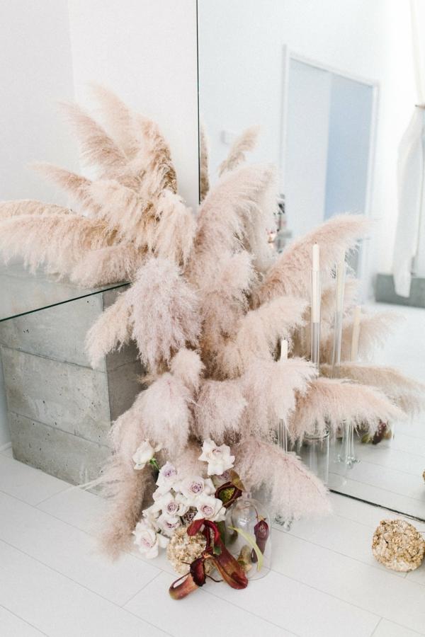 hochzeitsdeko dekoration mit pampasgras