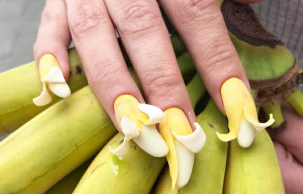 instagram verrückte bananen nageldesign ideen