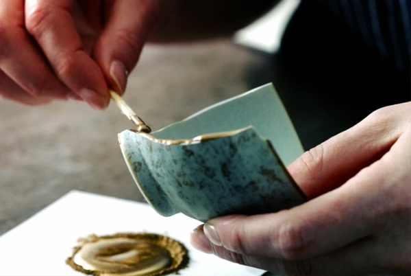kintsugi japanische tradition keramik reparieren
