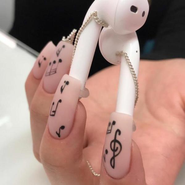 kopfhörer musiknoten nageldesign ideen