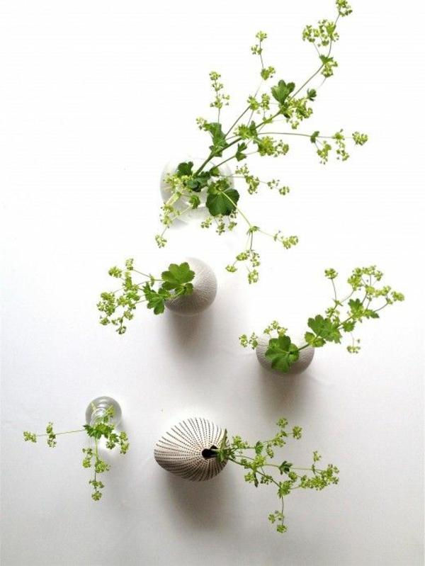 minimalistische tischdeko mit frauenmantel