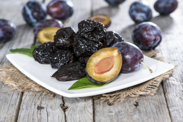 Trockenfrüchte Pflaumen als Hausmittel gegen Verstopfung
