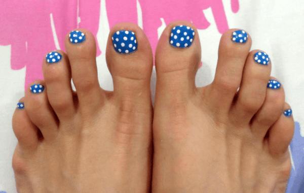 polka dots nageldesign somemr fußnägel