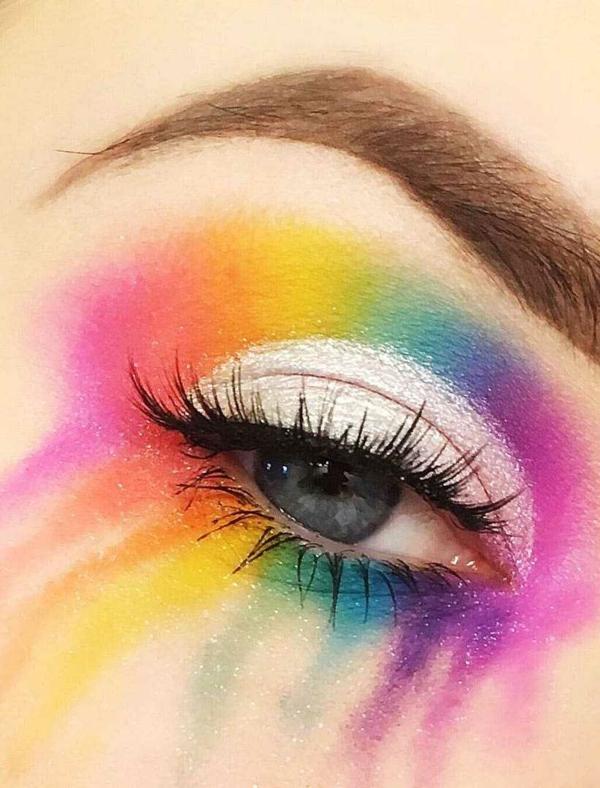 regenbogen make up blaue augen schminken