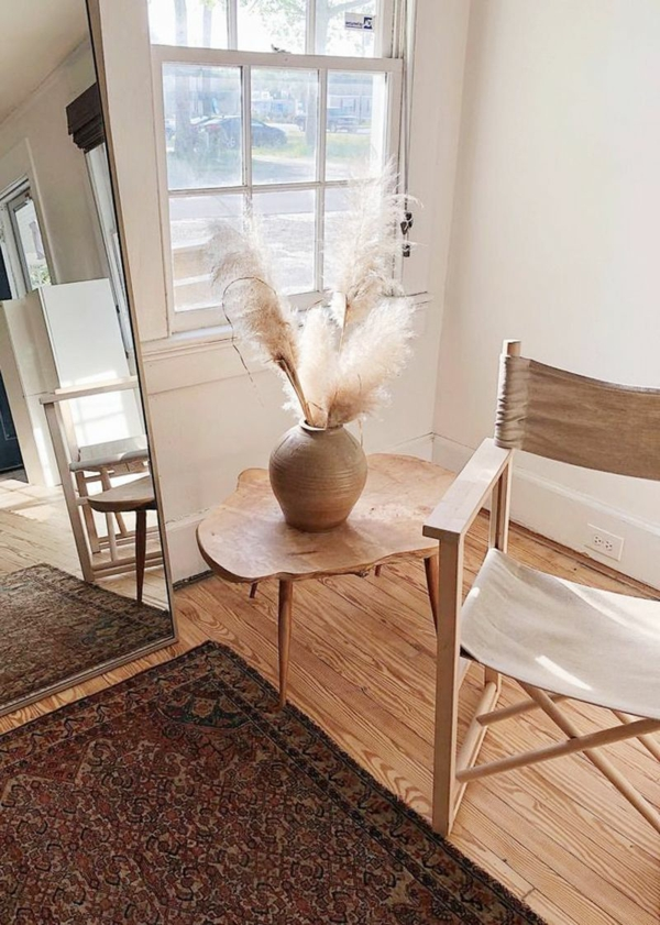 rustikale wohneinrichtung dekorieren mit pampasgras