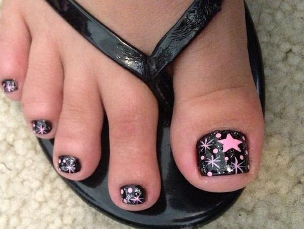schwarze fußnägel mit rosa sternen