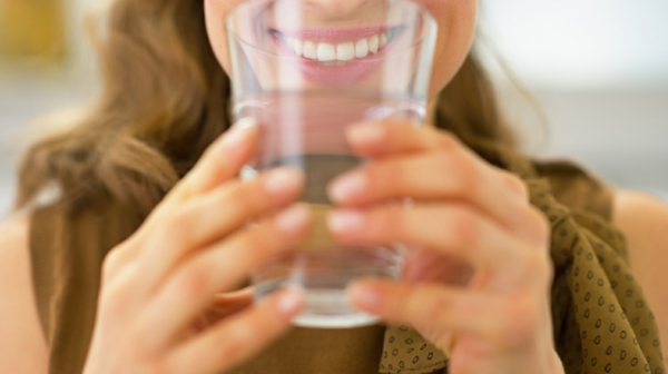 wasser trinken hausmittel gegen verstopfung