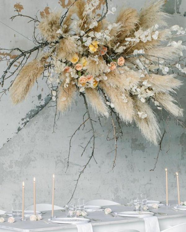 wunderschöne tischdeko hochzeit pampasgras