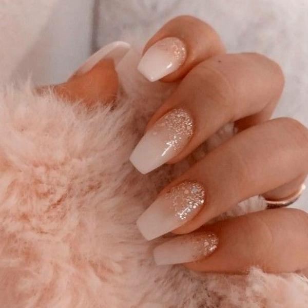 Babyboomer Nägel weiß rosa neuer Glitter Nageldesign Trend