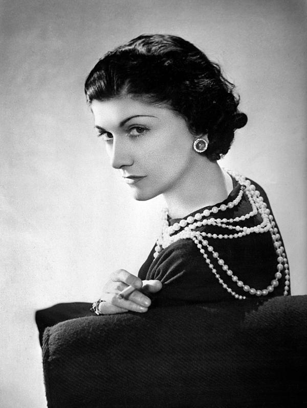 Bubikopf Frisur Clebrities Kurzhaarfrisuren Coco Chanel