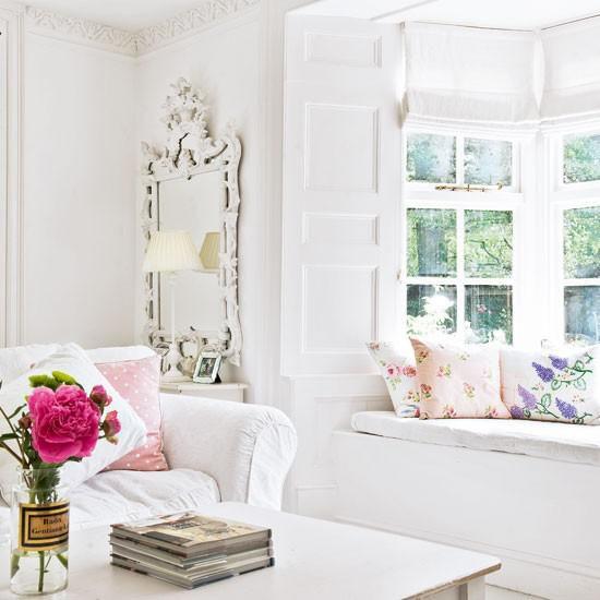 Dekoideen Wohnzimmer eine schöne Blume in Violett in Glas starke visuelle Wirkung im Raum