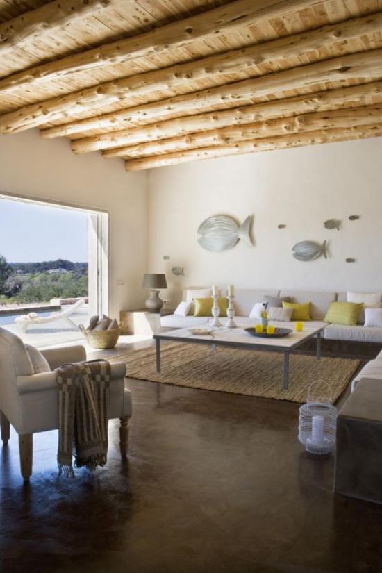 Dekoideen Wohnzimmer maritime Wanddeko Urlaubsfeeling Holzbalken Zimmerdecke