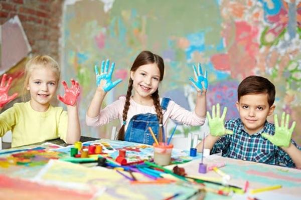 Fingermalfarbe selber machen Fingerfarben Kinder Fingermalen Therapie