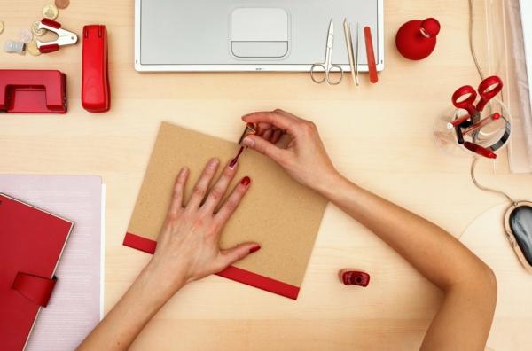 Fingernägel lackieren Tipps und Tricks Nägel richtig lackieren
