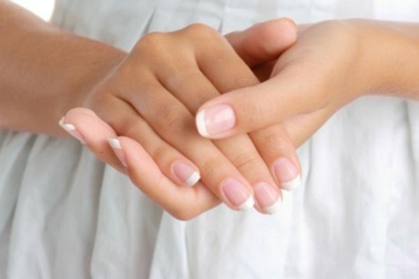 Fingernägel selber machen Tipps und Tricks Nägel richtig lackieren