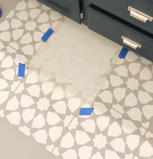 Fliesen bemalen Muster erstellen Schablone benutzen
