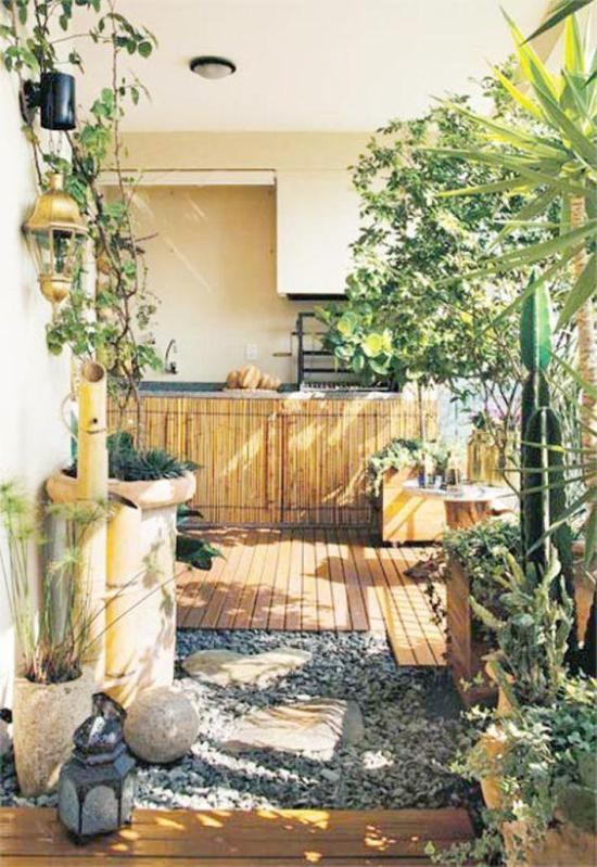 Gartengestaltung - Holz und Kiessteine