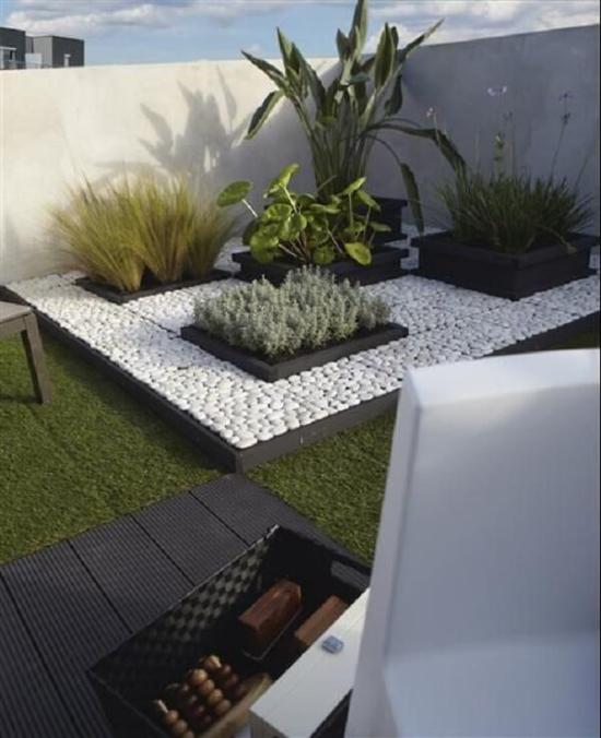 Gartengestaltung sehr moderner Innenhof