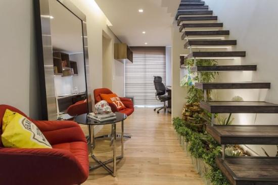 Gartengestaltung unter einer Treppe