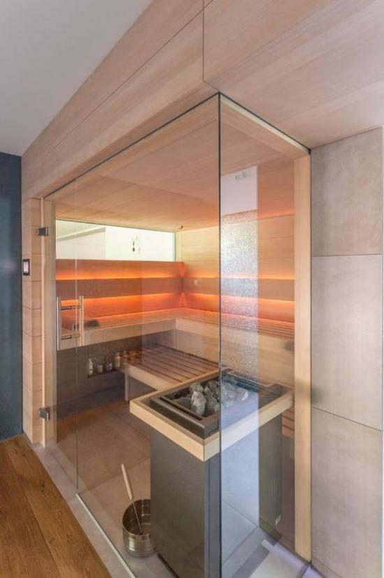 Heimsauna Infrarotkabine hinter Glaswand sehr beliebt gesund zuhause saunieren