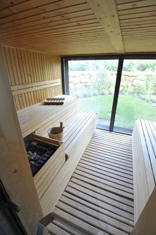 Heimsauna modernes Design Glaswand Heizungsmethode Strom Holz