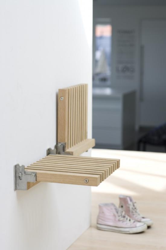 Klapptisch clevere Ideen für klappbare Möbelstücke kleine Sitzbank eingebaut in die Wand einfaches Design platzsparend