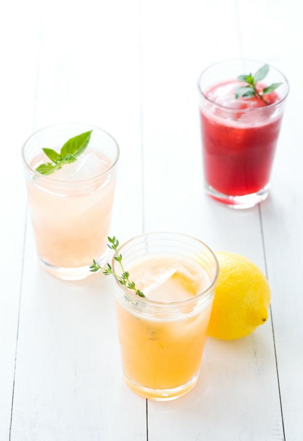 Kräuterlimonade selber machen Erfrischungsgetränke Mocktails