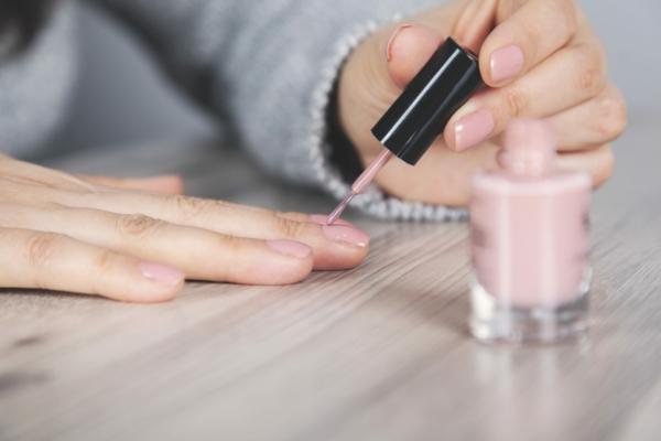 Nägel lackieren Tipps und Tricks